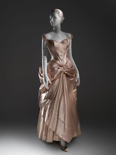 Fripperies and Fobs. Charles James wedding dress, 1948-49  From the Metropolitan Museum of Art Pinterest