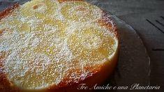 La Torta di albumi, ananas e cocco è una soffice torta da colazione. Povera di calorie.