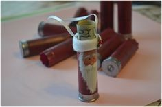 idea for use shotgun shells. Shirley McNeice, we need dad to save his shells! Ammo Crafts, Hunting Crafts, Bullet Crafts, Diy Crafts, Redneck Crafts, Shotgun Shell Art, Shotgun Shell Crafts, Shotgun Shells, Country Christmas