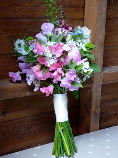 Sweet pea and nigella bouquet