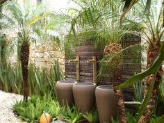 Residência em Juqueí - São Sebastião - SP: Jardins tropicais por ANALU ANDRADE - ARQUITETURA E DESIGN