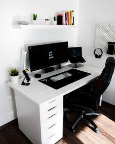 Setup Desk, Desk Layout, Gaming Room Setup, Home Office Setup, Home Office Space, Home Office Design, Pc Setup, Bedroom Setup, Room Design Bedroom