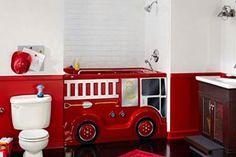 Una bañadera en forma de camión de bomberos para que los más chicos jueguen mientras se bañan. Foto:Decoesfera.com