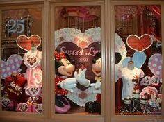 Valentine's Day at Disney World  #disney #valentinesdayatdisneyworld  smallworldbigfun.com