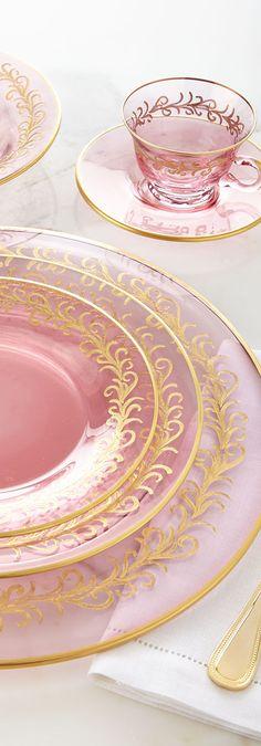 Blush Oro Dinnerware