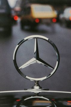 Mercedes Benz _ Gottlieb Daimler _ The three-pointed star represents Daimler engines' use in cars, boats and planes (land, sea & air) Mercedes Auto, Mercedes Benz Logo, Mercedes Concept, Mercedes Benz Wallpaper, Mercedez Benz, Classic Mercedes, Car Logos, Hood Ornaments, Maybach