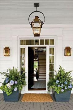 11 Rustic Farmhouse Front Porch Decorating Ideas