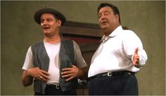 The Honeymooners - Art Carney as Ed Norton, Jackie Gleason as Ralph Kramden Classic Comics, Classic Tv, Art Carney, Male Movie Stars, Jackie Gleason, The Best Series Ever, 70s Tv Shows, Make Em Laugh, Tv Couples