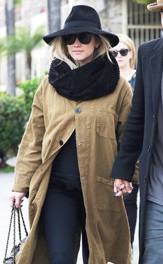 Ashlee Simpson's baby bump officially makes its debut!