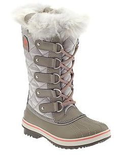Sorel Tofino | Piperlime - they have these in my size right now