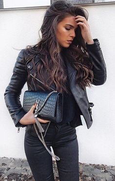 #pretty #winter #outfits / Black Bomber Jacket // Black Top // Black Skinny Jeans