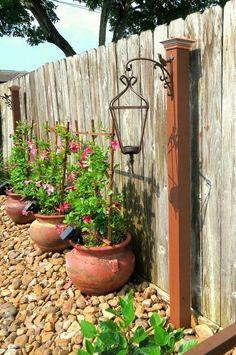 Top 28 Ideas Adding DIY Backyard Lighting for Summer Nights - Backyard Garden Diy Kids Small Backyard Landscaping, Backyard Fences, Garden Fencing, Desert Backyard, Mulch Landscaping, Modern Backyard, Large Backyard, Backyard Designs, Corner Landscaping Ideas