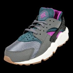 5af8afba8a8 NIKE AIR HUARACHE (WMS) now available at Foot Locker