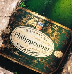 Philipponnat Royal Reserve Champagne.... havent seen this b4....  wondering what kinda taste would it be~~~