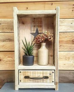 """I Love Woodworking What if I told you that you could get your hands on 16,000 woodworking projects…with already """"done-for-you"""" plans that includes…"""" Wooden Pallet Furniture, Wooden Pallets, Rustic Furniture, Diy Furniture, Pallet Wood, Cool Woodworking Projects, Diy Pallet Projects, Woodworking Plans, Wood Art"""
