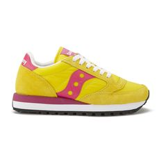 Saucony Women's Jazz Original Trainers - Yellow/Berry ($94) ❤ liked on Polyvore featuring shoes, sneakers, yellow, low top, lace up sneakers, flat sneakers, lace up flat shoes and woven sneakers