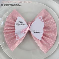 Schmetterlings-Tischkarten mit Druck +Servietten rosa Buy butterfly place cards with print + dots pink napkins Butterfly Place, Butterfly Table, Butterfly Cards, Pink Butterfly, Diy Crafts To Do, Paper Crafts, Serviettes Roses, Pink Towels, Diy Bebe