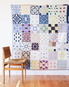 Patchwork Quilt Patterns, Crazy Patchwork, Patchwork Fabric, Patchwork Designs, Crazy Quilting, Patchwork Ideas, Patchwork Bags, Quilting Room, Fabric Art