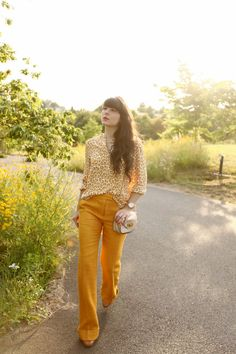 These golden slacks will surely put a pep in your step. #fall #color