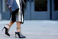street_style_moda-new-york-2015-scarpe-mules-borsa-chanel