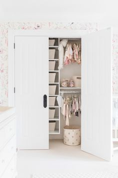 kid closet goals  Photography : Elza Photographie Read More on SMP: http://www.stylemepretty.com/living/2016/06/20/enviable-wallpaper-that-will-take-your-baby-from-tot-to-teen/