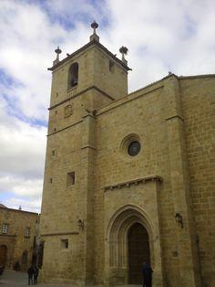 Concatedral de Santa María, Cáceres, España. <> Pulse en la fotografía para ver #casas_en_Cáceres.