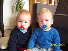 Identical Twins | Identical twins usually do not die from the same thing « Genomes ...
