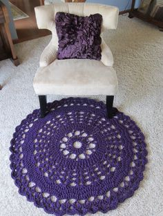 Doily Rug in Purple. Crochet round carpet/rug in deep purple.