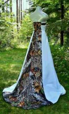 Camo wedding dress.... I love Camo as much as the next but there is a time and place for it.  Not crazy about the wedding dress