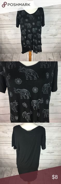 Elephant Shirt | Good Condition | Elephant print | very loose fitting | high/low | Hollister Tops Tees - Short Sleeve