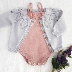 @madebykristine P e a c h & g r e y . . . . . . #lilledahliatrøje #dahliatrøje #lilledahlia #dahlia #indieromper #kærlighedpåpinde #kjærlighetpåpinner #leneholmesamsøe #femkloverstrikk #instaknitters #instastrikk #knittersofinstagram #knittinglove #instaknits #knitting #knitaddict #striktilbørn #babyknits #knittingaddict #knittersoftheworld #knittersofig #kidsknitwear #instaknit #strikktilbarn #knittersgonnaknit #knits #knitting_inspiration #knitstagram #nevernotknitting
