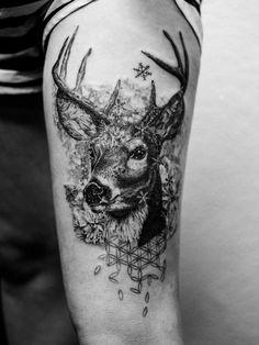 Madlyne van Looy Tattoo & Art - Famous Last Words Engel Tattoos, Mom Tattoos, Star Tattoos, Body Art Tattoos, Tattoos For Guys, Wolf Tattoo Design, Mom Tattoo Designs, Hirsch Tattoos, Hirsch Tattoo Frau
