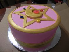 just… cant believe i spent twenty years NOT having a sailor moon cake for my birthdays. my mom's friend made this for me and it turned out so incredible