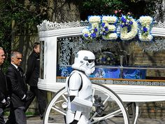 Parents Hold Star Wars Funeral for 4-Year-Old Son Who Died of Cancer  Around the Web, Real People Stories