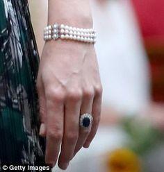 Princess of Wales pearl bracelet Germany - 2017 Princesa Diana, Duchess Kate, Duchess Of Cambridge, Princess Diana Jewelry, Kate Middleton Prince William, Family Jewels, Royal Jewelry, Lady Diana, Royal Fashion