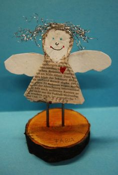 Christmas in Art Classes in Elementary School - Website! Homemade Christmas, Christmas Crafts, Christmas Decorations, Xmas, Christmas Ornaments, Holiday Decor, Christmas Ideas, Angel Crafts, Laundry Room Design