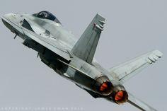 https://flic.kr/p/NPxqb4 | Llmavoimat McDonnel Douglas F-18C-51-MC Hornet HN-424 (Karjalan Lennosto - HävLLv 31 - Kuopio) - RIAT 1