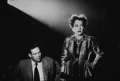 """One of the greatest film noirs of all time """"Sunset Boulevard!"""" Amazing film. Plus, William Holden was a fox!"""