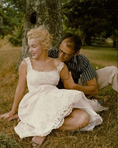 Marilyn Monroe and Arthur Miller by Sam Shaw, 1957.