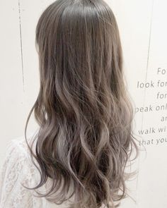 アッシュブラウン特集♪外国人風の透明感で赤味をおさえた軽さでオフィスもOK☆   folk (3ページ) Hair Inspo, Hair Inspiration, Hair Goals, Girl Hairstyles, Hair Cuts, Hair Color, Hair Beauty, Long Hair Styles, Makeup
