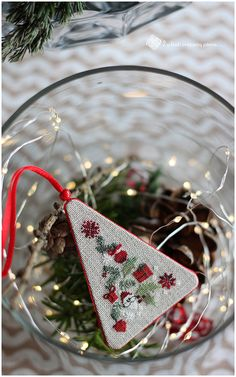 Merry Christmas and Happy New Year Cross Stitch Christmas Ornaments, Christmas Ornaments To Make, Christmas Embroidery, Merry Christmas And Happy New Year, Christmas Cross, Santa Cross Stitch, Cross Stitch Tree, Cross Stitch Embroidery, Cross Stitch Patterns