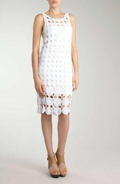bleach white vestido.jpg