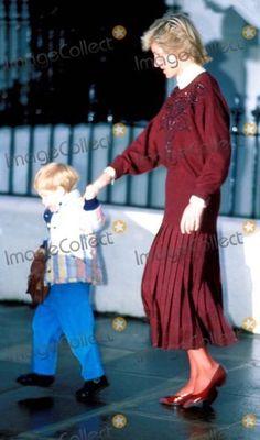 Lady Diana Spencer, Diana Son, Princesa Diana, Princess Charlotte, Princess Of Wales, Princess Diana Dresses, Diana Williams, Prince Henry, Prince Charles