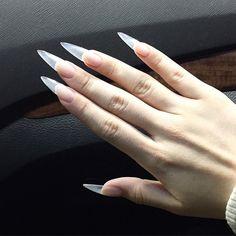 p i n t e r e s t: n d e y a h Edgy Nails, Stiletto Nails, Toe Nails, Coffin Nails, Acrylic Nail Designs, Acrylic Nails, Vampire Nails, Long Natural Nails, Long Fingernails