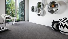 Excellent Screen Grey Carpet runner Style Deciding on the best carpet colour can be quite a daunting process. Unlike fashion trends for interi White Carpet, Green Carpet, Carpet Colors, Best Carpet, Diy Carpet, Modern Carpet, Wool Carpet, Where To Buy Carpet, Cost Of Carpet
