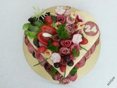 Sandwich Cake, Sandwiches, Food Art, Birthday Cake, Desserts, Cakes, Christmas Crafts, Salads, Tailgate Desserts