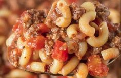 The famous macaroni recipe with mom& meat sauce! Macaroni Sauce, Macaroni Recipes, Meat Recipes, Pasta Recipes, Crockpot Recipes, Macaroni And Cheese, Snack Recipes, Cooking Recipes, Beef Macaroni