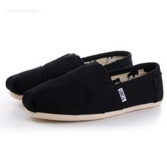 Black Canvas Womens Classics Toms shoes consists of a wide range of styles that vary in functionality and design always seeking to satisfy the different personalities, the particular needs of each. Now, you can find this toms canvas,it is comfortable, flat and full of style.