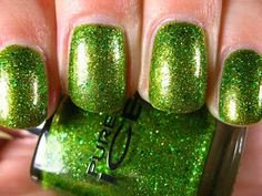Right on the Nail: Pure Ice Nail Color Swatch: Emerald Crush