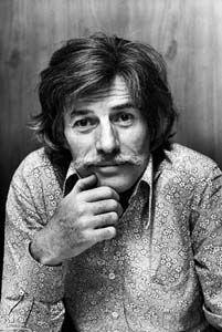 Jean Tenenbaum, dit Jean Ferrat, né le 26 décembre 1930 à Vaucresson1 (Seine-et-Oise) et mort le 13 mars 2010 à Aubenas2 (Ardèche), est un auteur-compositeur-interprète français. Auteur de chansons à texte, il alterne durant sa carrière, chansons sentimentales, poétiques et engagées et a souvent maille à partir avec la censure3. Reconnu pour son talent de mélodiste, il met en musique et popularise nombre de poèmes de Louis Aragon.